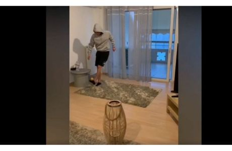 Ποδοσφαιριστές της ΑΕΚ και του Παναθηναϊκού μας δείχνουν τι κάνουν όσο μένουν σπίτι
