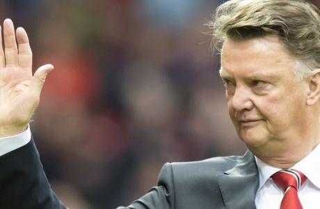 Manchester United manager Louis van Gaal takes to the touchline before the English Premier League soccer match between Manchester United and West Bromwich Albion at Old Trafford Stadium, Manchester, England, Saturday, Nov. 7, 2015. (AP Photo/Jon Super)