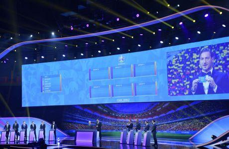 Ο Φραντσέσκο Τότι σε στιγμιότυπο της κλήρωσης των ομίλων του Ευρωπαϊκού Πρωταθλήματος 2020, Βουκουρέστι, Σάββατο 30 Νοεμβρίου 2019