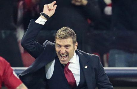 Ο Μάσιμο Καρέρα ως προπονητής της Σπαρτάκ Μόσχας σε αγώνα με τη Σεβίλλη