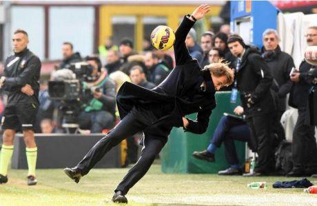 Δέχτηκε την μπάλα στο πρόσωπο και έπεσε... νοκ άουτ ο Μαντσίνι (VIDEO)