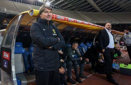 Ο προπονητής του Άρη, Μίχαελ Ένινγκ, σε στιγμιότυπο πριν από την αναμέτρηση με την ΑΕΚ για τη Super League 1 2019-2020 στο Ολυμπιακό Στάδιο, Κυριακή 24 Νοεμβρίου 2019