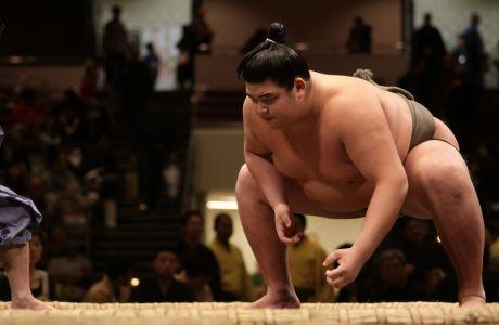 H διατροφή ενός αθλητή σούμο δεν έχει καμία σχέση με αυτό που φαντάζεσαι