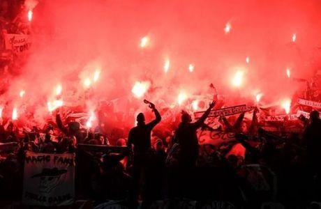 """Οι οπαδοί της Σεντ Ετιέν """"έβαλαν φωτιά"""" στο Old Trafford!"""