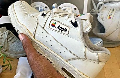Τα Apple sneakers έφτασαν στο Σήμερα με χρονομηχανή