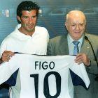 Η επίσημη παρουσίαση του Λουίς Φίγκο από τη Ρεάλ Μαδρίτης (24/7/2000).