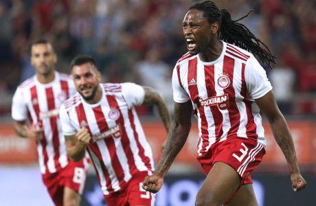 Ο Ρούμπεν Σεμέδο του Ολυμπιακού πανηγυρίζει το γκολ που σημείωσε στην αναμέτρηση με την Μπασακσεχίρ για τον δεύτερο αγώνα του 3ου προκριματικού του Champions League 2019-2020 στο 'Γεώργιος Καραϊσκάκης', Τρίτη 13 Αυγούστου 2019