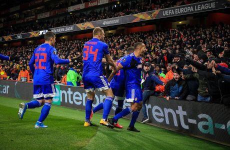 Παίκτες του Ολυμπιακού πανηγυρίζουν γκολ κόντρα στην Άρσεναλ για τον 2ο αγώνα της φάσης των 32 του Europa League στο 'Έμιρεϊτς', Λονδίνο, Πέμπτη 27 Φεβρουαρίου 2020