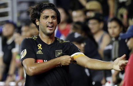 Ο Κάρλος Βέλα σε στιγμιότυπο από την αναμέτρηση της Los Angeles FC κόντρα στο Toronto FC στις 21/09/2019 στο Λος Άντζελες. (AP Photo/Marcio Jose Sanchez)