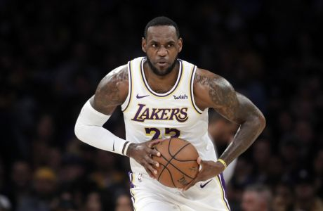 O Λεμπρόν Τζέιμς με τη φανέλα των Λος Άντζελες Λεικερς σε ματς της κανονικής σεζόν του NBA, που έγινε στις 24 Μαρτίου 2019.