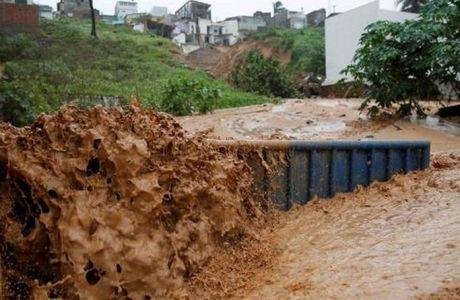 Πλημμύρες στη πόλη που θα παίξει η Ελλάδα (PHOTOS)