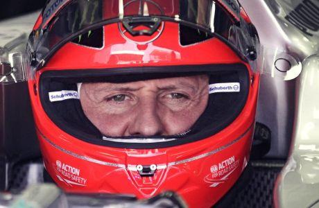 Ο Μίκαελ Σουμάχερ ενόσω οδηγούσε ακόμη, σε λήψη από τα ελεύθερα δοκιμαστικά του βραζιλιάνικού grand prix του 2012