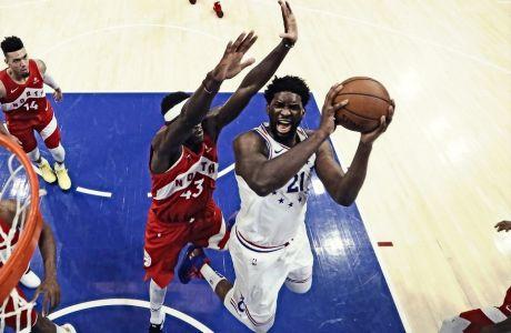 Οι Πασκάλ Σιακάμ και Τζόελ Εμπίντ χρωστούν την ανακάλυψη τους στους Μπα α Μούτε και Μουτόμπο. Οι επόμενοι Αφρικανοί NBAers θα τη χρωστούν στο ΝΒΑ και τη FIBA