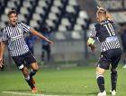Οι Δημήτρης Γιαννούλης και Δημήτρης Πέλκας πανηγυρίζουν το 1-0 του ΠΑΟΚ επί της Μπενφίκα