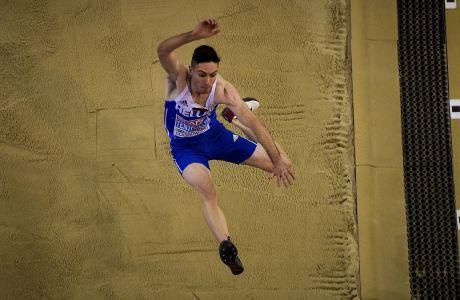 Ο Μίλτος Τεντόγλου σε προσπάθειά του στον τελικό του άλματος εις μήκος, στο Ευρωπαϊκό Πρωτάθλημα κλειστού στίβου 2019, Γλασκόβη, Κυριακή 3 Μαρτίου 2019