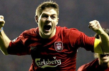 epa000326621 Liverpool's Steven Gerrard celebrates scoring the third goal against Olympiakos during the UEFA Champions League, Group A match at Anfield, Liverpool, Wednesday 08 December 2004.  EPA/PHIL NOBLE UK AND IRELAND OUT - NO WEBSITE/INTERNET USE