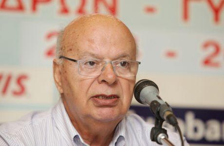 Ο Γιώργος Βασιλακόπουλος αποφάσισε να βάλει υποψηφιότητα και σε αυτές τις εκλογές, έστω κι αν έχουν μπει ηλικιακά όρια