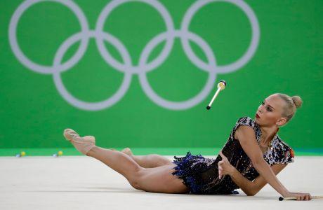 Η Γιάνα Κουντριάφτσεβα σε προσπάθειά της στον τελικό του ατομικού all-around της ρυθμικής γυμναστικής στους Ολυμπιακούς Αγώνες 2016, Ρίο ντε Ζανέιρο | Σάββατο 20 Αυγούστου 2016