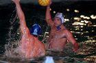 Ο Τεό Λοράντος της Βουλιαγμένης σε στιγμιότυπο του αγώνα με τον Ολυμπιακό για την Α1 πόλο 1997-1998, Τετάρτη 18 Φεβρουαρίου 1998