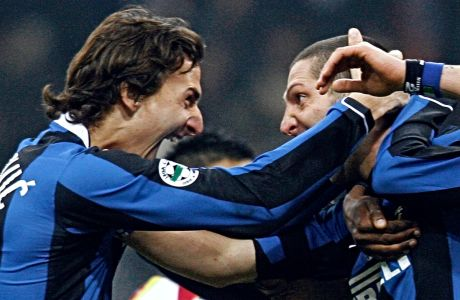 Ο Ζλάταν Ιμπραχίμοβιτς και ο Μάρκο Ματεράτσι της Ίντερ πανηγυρίζουν γκολ κόντρα στη Μεσίνα για τη Serie A 2006-2007 στο 'Τζιουζέπε Μεάτσα', Μιλάνο, Κυριακή 17 Δεκεμβρίου 2006