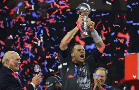 Τον Μπρέιντι μην τον ξεγράφεις! Θα σου κλέψει το Super Bowl...