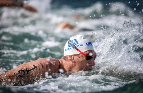 Ο Σπύρος Γιαννιώτης σε στιγμιότυπο του αγώνα στα 10χλμ. ανοιχτής θάλασσας στους Ολυμπιακούς Αγώνες 2016 στο Ρίο ντε Ζανέιρο, Τρίτη 16 Αυγούστου 2016