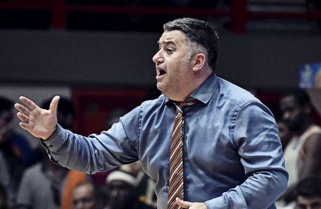 Ο Μάκης Γιατράς αναδείχθηκε πέρυσι ο προπονητής της χρονιάς στη Basket League