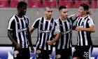 Πανηγυρικό στιγμιότυπο των παικτών του ΟΦΗ από την αναμέτρηση με τον Ολυμπιακό στο 'Γεώργιος Καραϊσκάκης' (2-1), για τα playoffs της Super League 2019-2020. (ΦΩΤΟΓΡΑΦΙΑ: ΑΝΤΩΝΗΣ ΝΙΚΟΛΟΠΟΥΛΟΣ / EUROKINISSI)