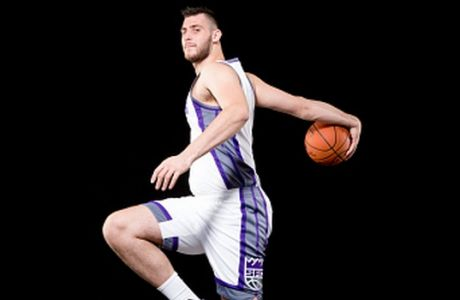 TARRYTOWN, NY - AUGUST 7:  Giorgios Papagiannis of the Sacramento Kings poses for a portrait during the 2016 NBA rookie photo shoot on August 7, 2016 at the Madison Square Garden Training Facility in Tarrytown, New York. NOTE TO USER: User expressly acknowledges and agrees that, by downloading and or using this photograph, User is consenting to the terms and conditions of the Getty Images License Agreement. Mandatory Copyright Notice: Copyright 2016 NBAE (Photo by Nathaniel S. Butler/NBAE via Getty Images)