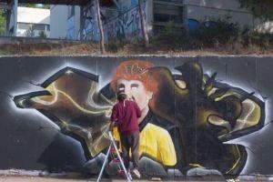 Ο Θωμάς Μαύρος έγινε graffiti (και viral)
