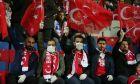 Στην Τουρκία συνεχίζουν ακάθεκτοι...