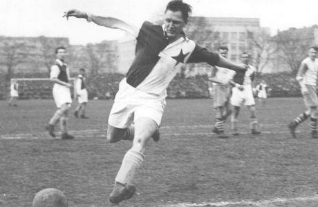 Ο Γιόζεφ Μπίτσαν από τα χρόνια που έπαιζε στη Σλάβια Πράγας
