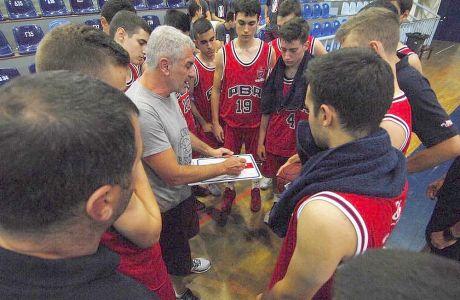 Με λυγμούς αποχαιρέτησαν τα παιδιά οι προπονητές της ακαδημίας του Πανιωνίου!