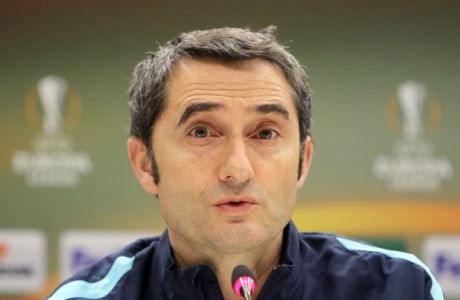 Athletic Bilbao's coach Ernesto Valverde speaks during a press conference at the Velodrome stadium, in Marseille, Southern France, Wednesday, Feb.17, 2016. Athletic Bilbao will face Marseille for an  Europa League first leg soccer match on Thursday. (AP Photo/Claude Paris)