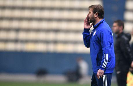 Ο προπονητής του Ολυμπιακού, Πέδρο Μαρτίνς, σε στιγμιότυπο της αναμέτρησης με τον Παναιτωλικό για τη Super League Interwetten 2020-2021 στο Γήπεδο Παναιτωλικού   Σάββατο 9 Ιανουαρίου 2021