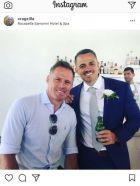 Guest ο Κάραγκερ σε γάμο στη Σαντορίνη!