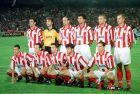Φωτογράφιση της ομάδας του Ολυμπιακού, λίγο πριν τη σέντρα του ματς κόντρα στην Πόρτο, για τους ομίλους του Champions League 1997-98