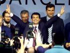 Ο Τζουάν Λαπόρτα πανηγυρίζει τη νίκη του στις εκλογές του 2003.