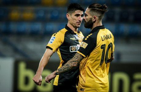 Ο Μάρκο Λιβάγια της ΑΕΚ πανηγυρίζει με τον Πέτρο Μάνταλο γκολ που σημείωσε στην αναμέτρηση με τον Αστέρα για τη Super League Interwetten 2020-2021 στο 'Θεόδωρος Κολοκοτρώνης' | Κυριακή 29 Νοεμβρίου 2020