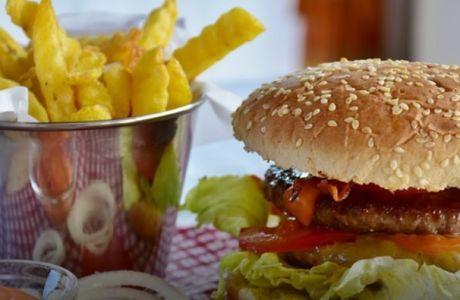 Δείτε τί μπορεί να κάνει ακόμα και ένα λιπαρό γεύμα στο συκώτι