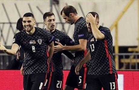 Ο Μίλε Σκόριτς με το '5' πανηγυρίζει παρέα με τους συμπαίκτες του το γκολ απέναντι στους Πορτογάλους