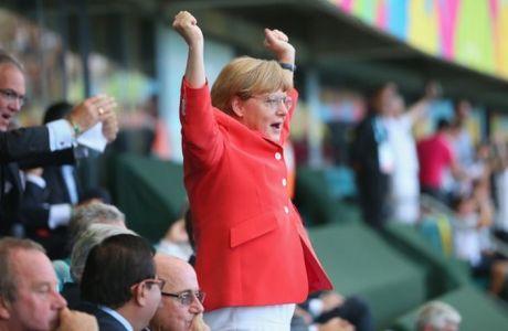 Όταν οι ηγέτες βλέπουν μπάλα... (PHOTOS)