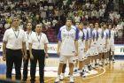 H Eθνική Ελλάδας σε πλήρη παράταξη, πριν από τον αγώνα της πρεμιέρας με το Κατάρ