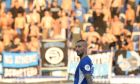 Ο Απόστολος Βέλλιος του Ατρομήτου σε στιγμιότυπο του αγώνα με τη Λέγκια για το δεύτερο σκέλος του 3ου προκριματικού γύρου του Europa League στο γήπεδο του Περιστερίου, Τετάρτη 14 Αυγούστου 2019