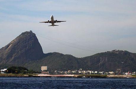 Συνεχίζουν την απεργία στο αεροδρόμιο του Ρίο