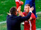 Άντιτς και Μίλαν Γιοβάνοβιτς πανηγυρίζουν τη νίκη της Σερβίας επί της Γερμανίας στο Μουντιάλ του 2010.