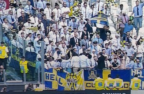 Είναι τρελοί αυτοί οι οπαδοί: όλοι στο γήπεδο με γραβάτες!