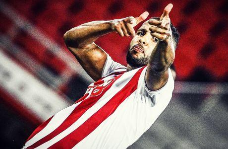 Ο Ελ Αραμπί πανηγυρίζει το γκολ που πέτυχε κόντρα στον Παναθηναϊκό, στη νίκη του Ολυμπιακού με σκορ 3-0 στο Φάληρο, για τα playoffs της Super League 2019-2020. ΦΩΤΟΓΡΑΦΙΑ: ΘΑΝΑΣΗΣ ΔΗΜΟΠΟΥΛΟΣ / EUROKINISSI