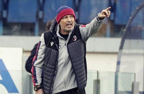 Ο Σίνισα Μιχάιλοβιτς στον πιο πρόσφατο αγώνα της Μπολόνια, με αντίπαλο τη Λάτσιο