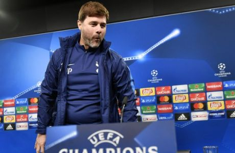Tottenham's manager Mauricio Pochettino arrives at a press conference prior the Champions League group H soccer match between Borussia Dortmund and Tottenham Hotspur in Dortmund, Germany, Monday, Nov. 20, 2017. (AP Photo/Martin Meissner)